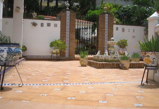 Fotos nuevas de mi jard n y tengo m s ideas en proyecto for Ceramica patios fotos