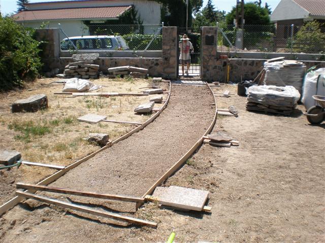 Camino de piedra que he hecho fotos for Camino de piedra para jardin