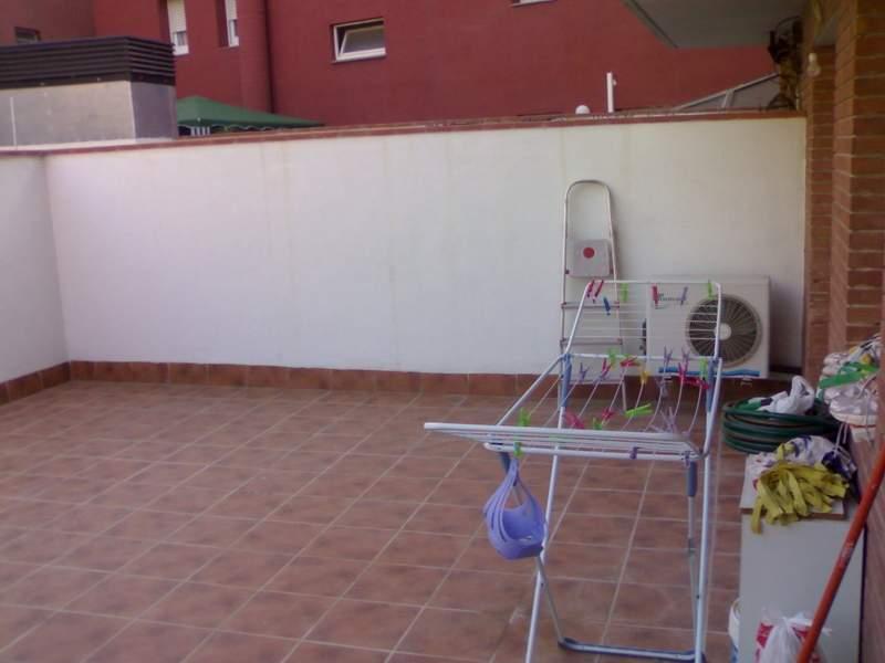 Como decorar una terraza con muebles originales como - Como decorar una buhardilla ...