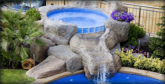 Piscinas hechas con rocas artificiales cascada jacuzi for Cascadas prefabricadas